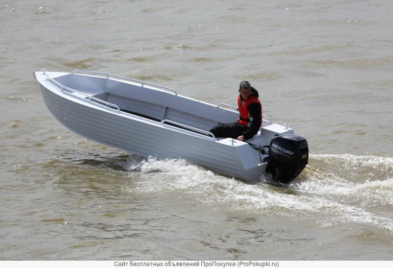 Продаем лодку (катер) Trident 450