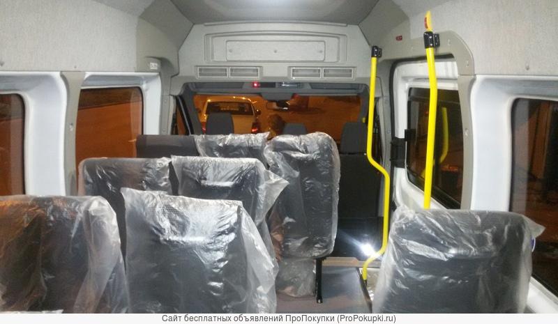 Ford Transit Bus город