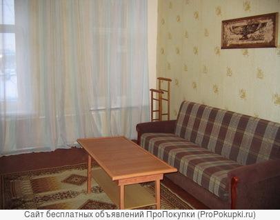 Светлая уютная комната (18 м2) посуточно в центре Санкт-Петербурга метро Василеостровская