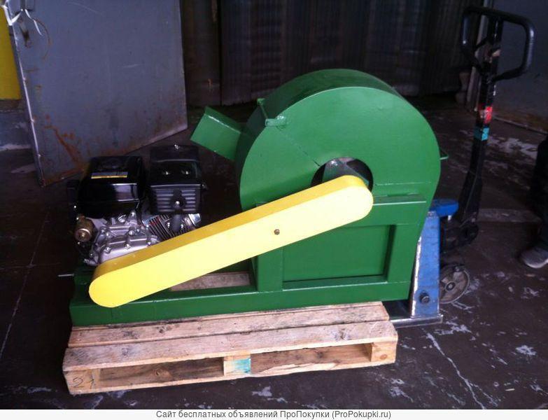 Измельчитель древесины с бензиновым двигателем