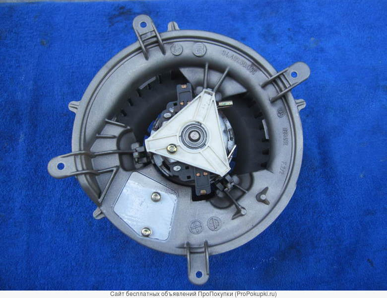 Моторчик печки для Мерседес W210(старого образца)