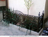 Кованные изделия для дачи и дома: скамейки, мостики,