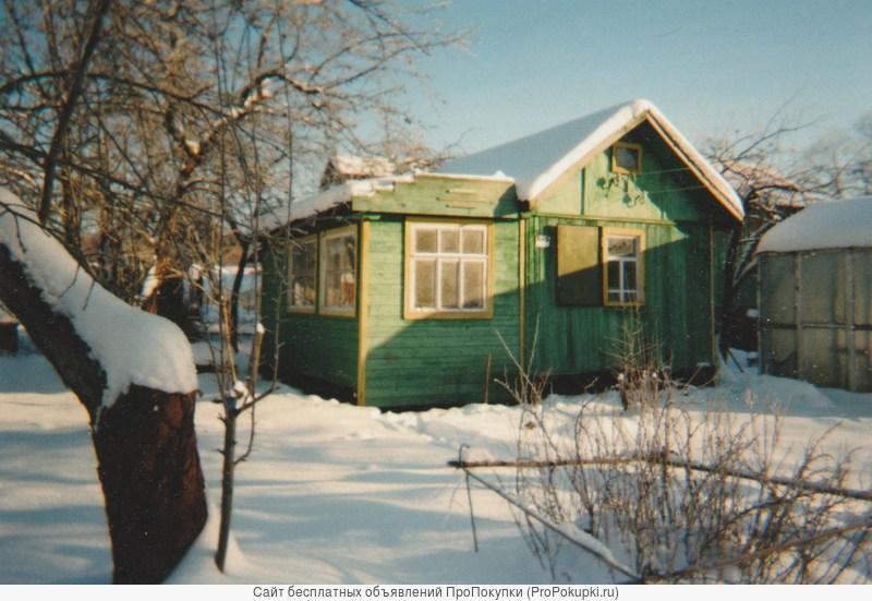 Дачный участок с домом и кухней