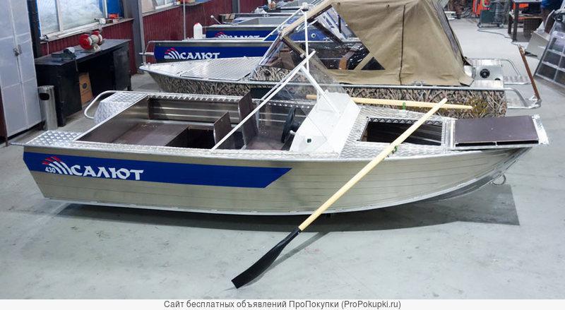 Продаем лодку (катер) Салют-430 Scout