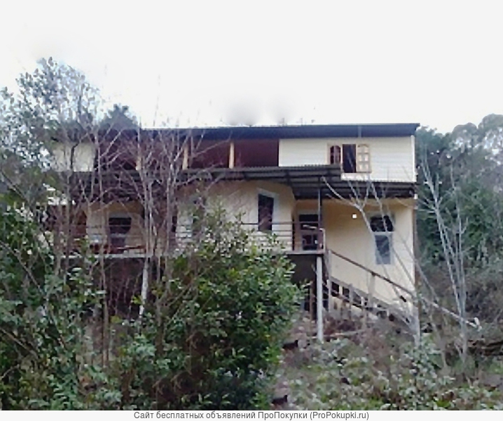Абхазия. Гагра. Двухэтажный дом 120 кв.м. Участок 8 сот