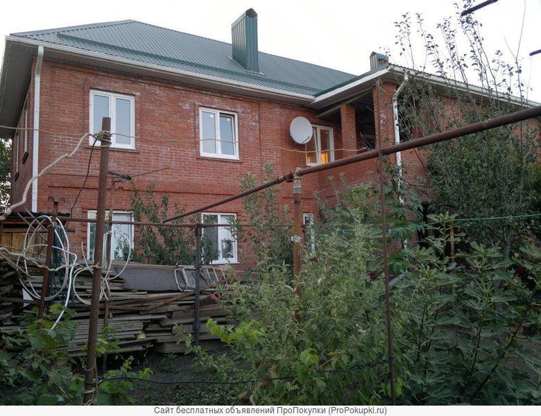 Продается в Краснодаре вилла 2 этажа на участке 0,6га.