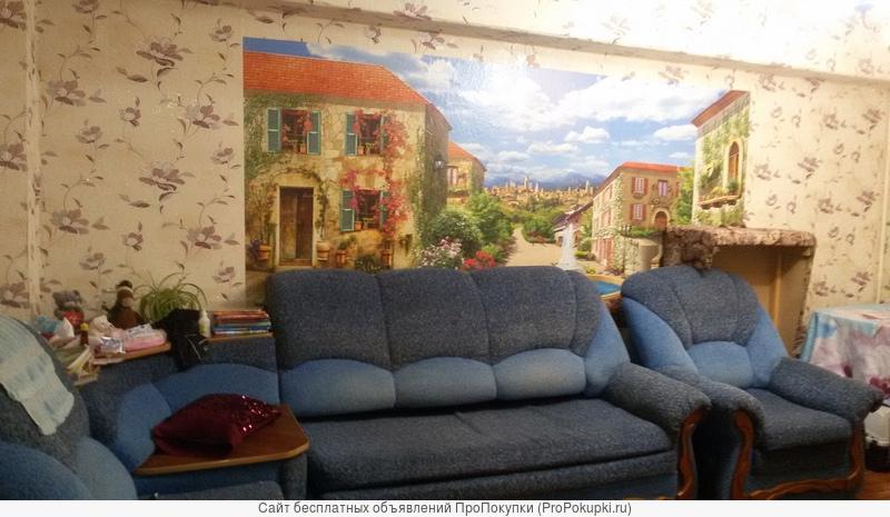 продаем 3-х комнатную квартиру на первом этаже панельного дома