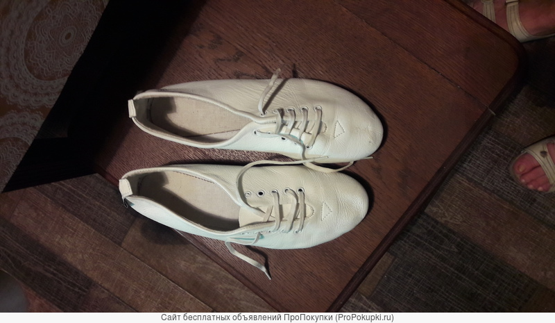 Белые, мягкие балетки -полуботиночки
