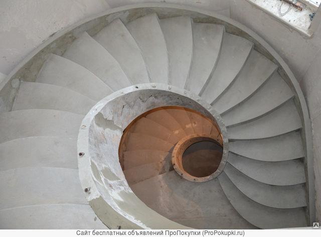 Лестници из бетона любой сложности и другие виды моналитных работ