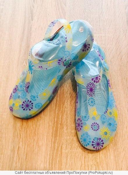 Женские яркие стильные летние сабо босоножки сабо кроксы crocs