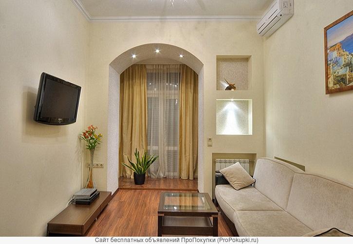 4-комнатная квартира с евроремонтом около парка им.Пушкина