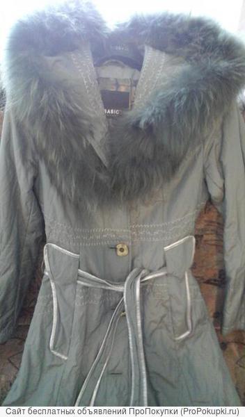 Плащ - пальто фисташкового цвета