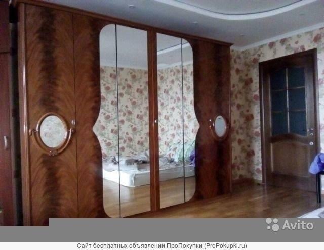 Спальный гарнитур Италия Шкафы и комоды Срочно