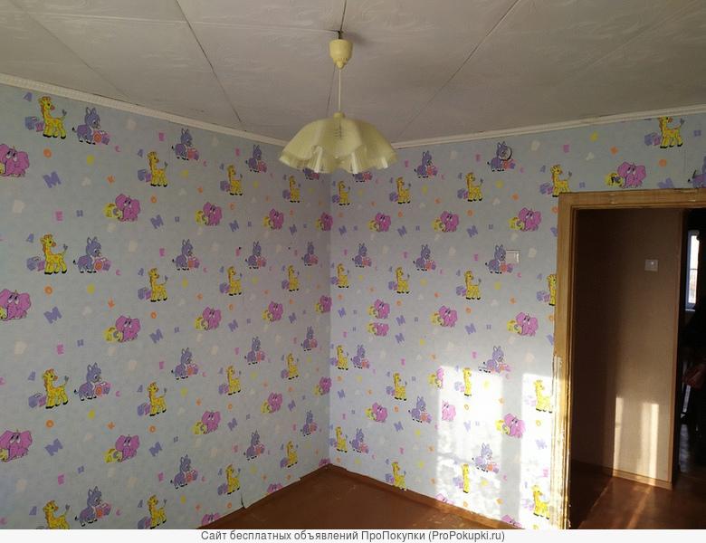 продам 4-комнатную квартиру в пос Майский