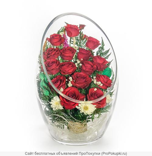 Живые розы стабилизированные в вазах