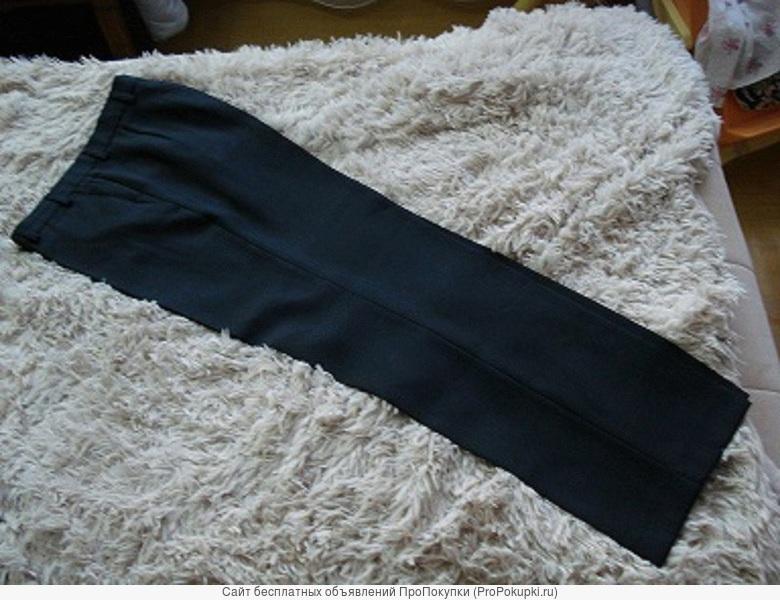 Брюки новые, чёрного цвета, рост 1.60, размер 46, произ-во Россия