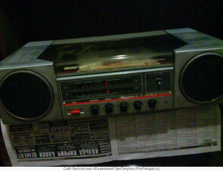 Продам проигрыватель винила (радиолу) ВЕГА 300 стерео б/у