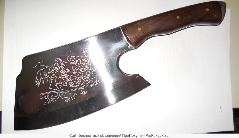 Топоры, ножи, сапёрные лопаты и т. д.