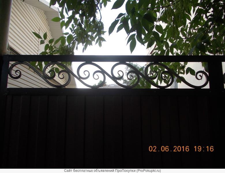 Ворота в уголке с ковкой