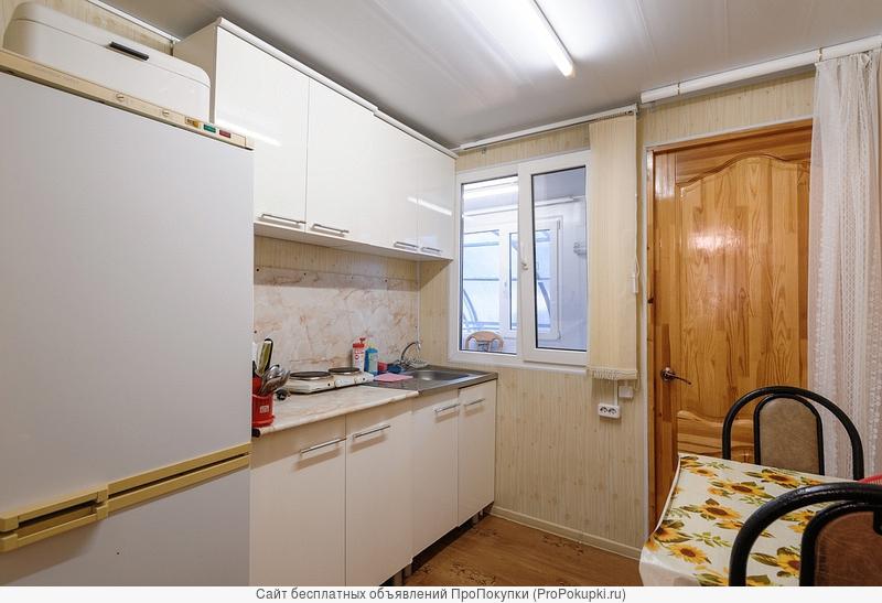 Продаю 2-х этажный коттедж с зем. участком на берегу Азовского моря