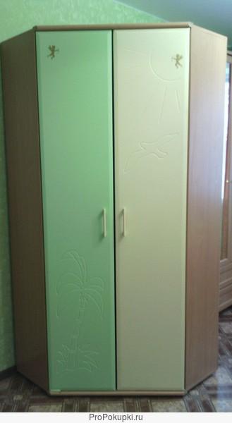 угловой шкаф для детской комнаты