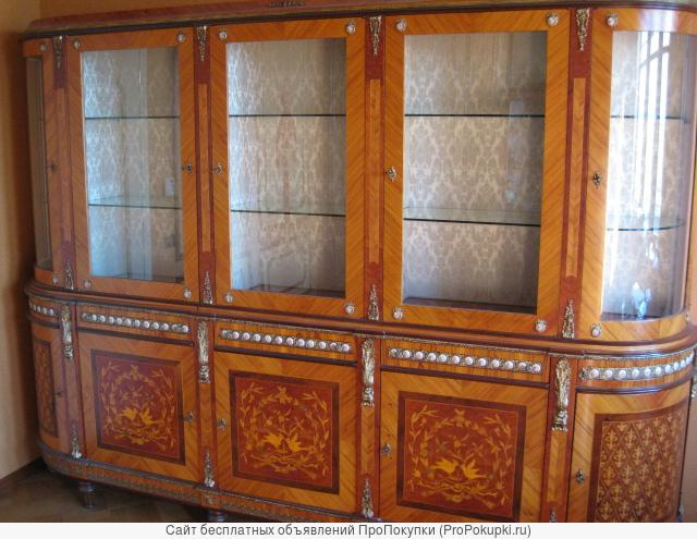 Книжный шкаф с инкрустацией перламутром и бронзой, фабрика СP, Италия