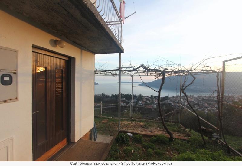 Дом 150 м2, панорамный вид на бухту, Херцег Нови, Черногория