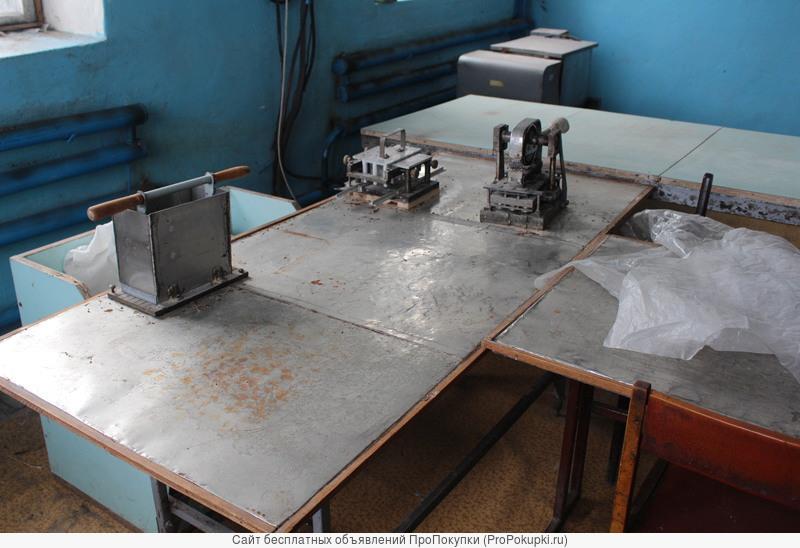 Полуавтомат для изготовления пельменей по форме «Сатурн» (с ободком)