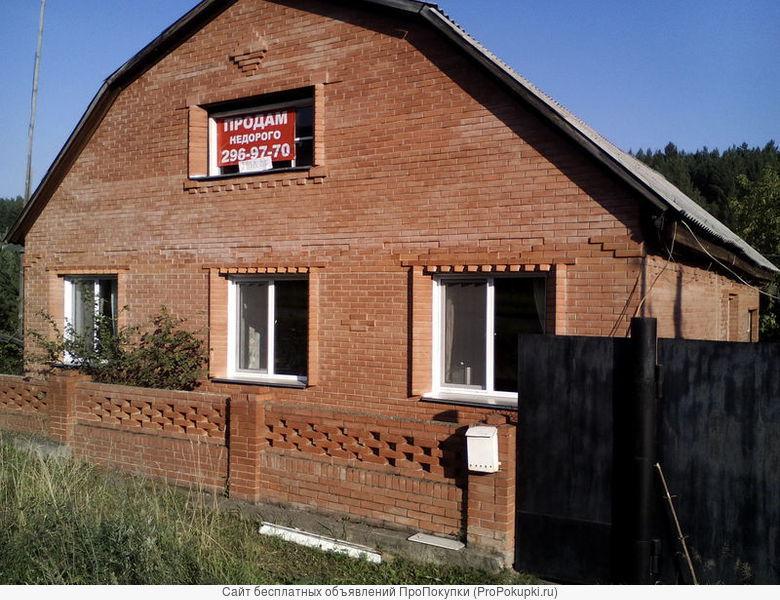 Продам дом в п.Манский