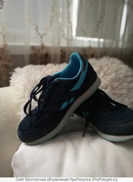 несколько пар кроссовок 34 р