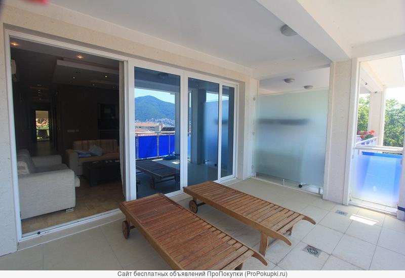 Квартира площадью 74 + 15 м2, вблизи моря, Будва, Черногория