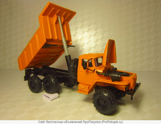 Интернет-магазин: модели автомобилей. Масштаб 1:43