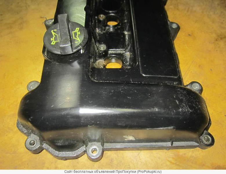 Клапанная крышка двигателя на Форд