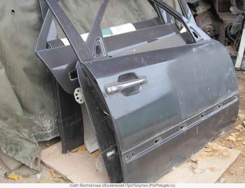 Передняя левая дверь для Мерседес W124