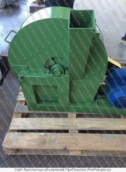 Дробилка СЩМ-5 для измельчения древесины в щепу или опил
