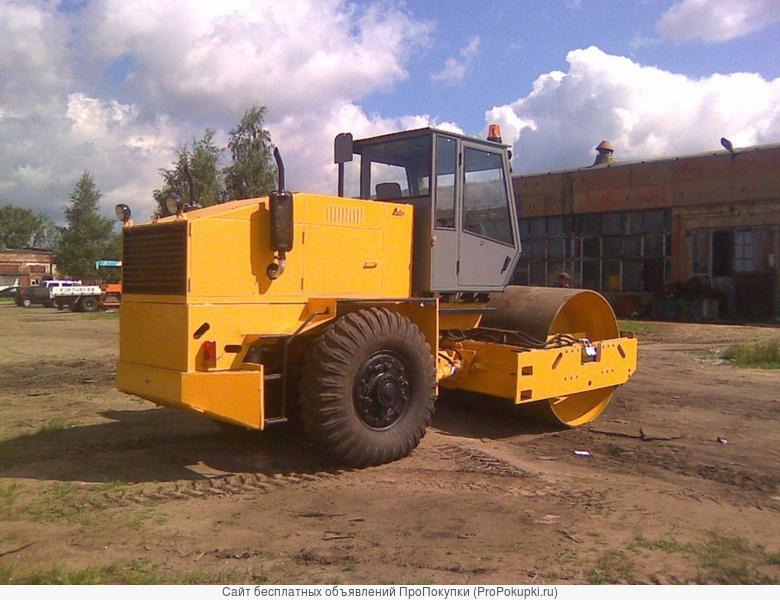 Каток дорожный самоходный ДУ-62