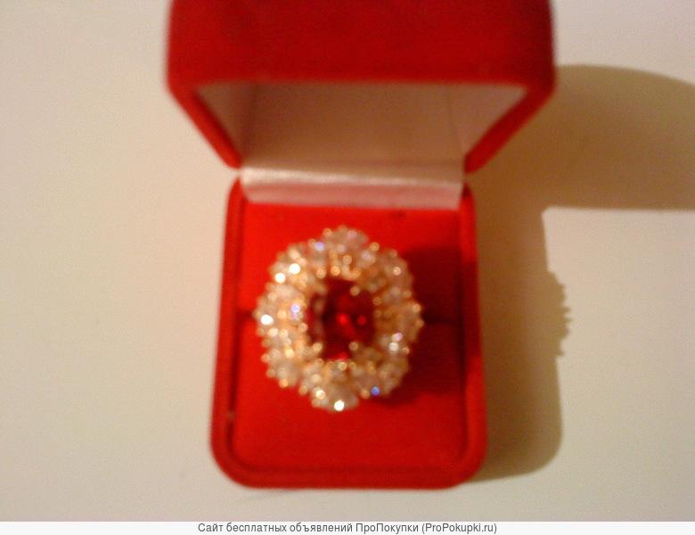Женский золотой перстень