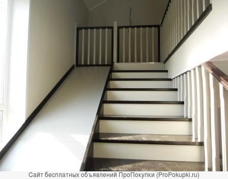 Лестница деревянная на второй этаж из бука с горкой