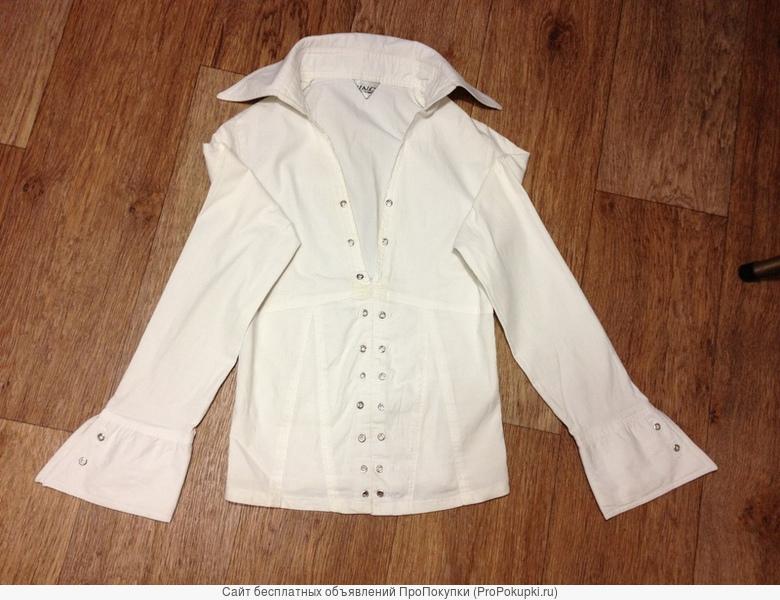 одежда на девочку: кофты , блузки, юбки, джинсы, брюки, кепки, береты.