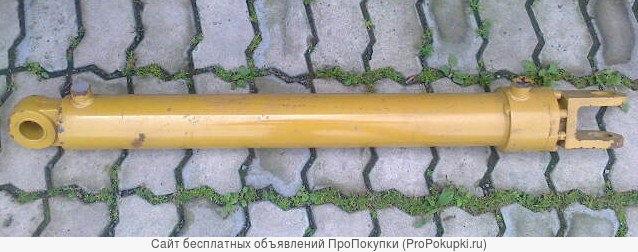 Гидроцилиндр подъёма стрелы на погрузчик ZL20