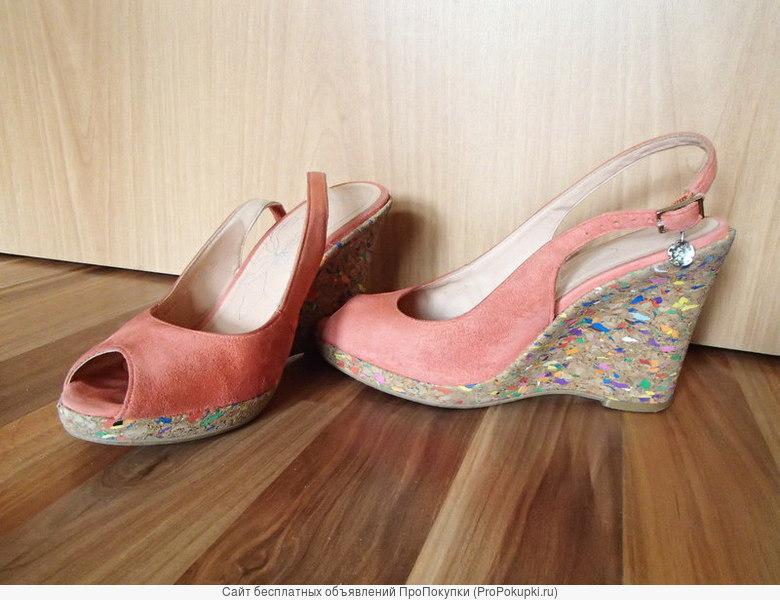 Замшевые туфли на платформе RiaRosa